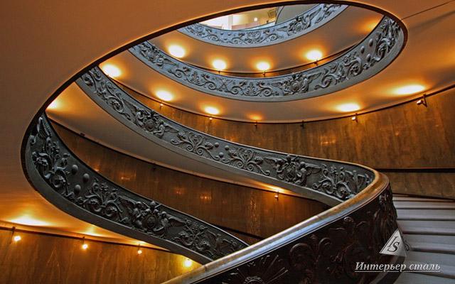 Винтовая лестница в Ватикане